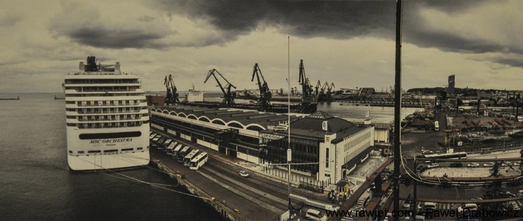 1_poland_-_gdynia_-_dworzec_morski_01.jpg
