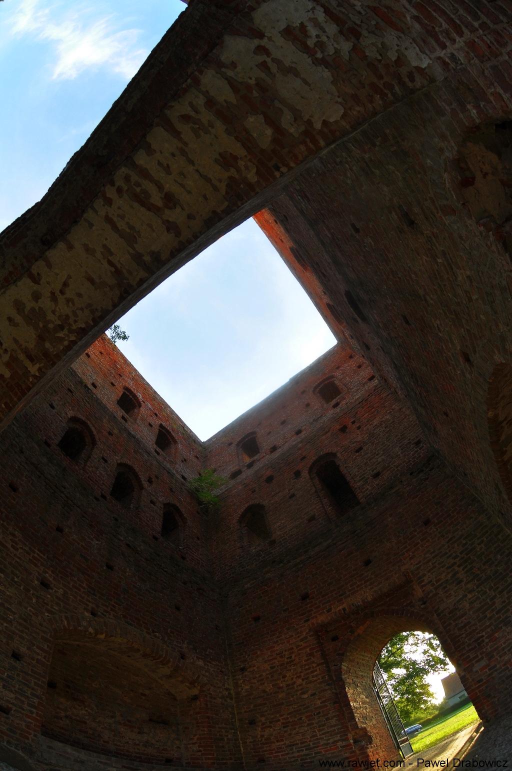 poland-zulawy-szlak-mennonitow-steblewo-kosciol-w-ruinach
