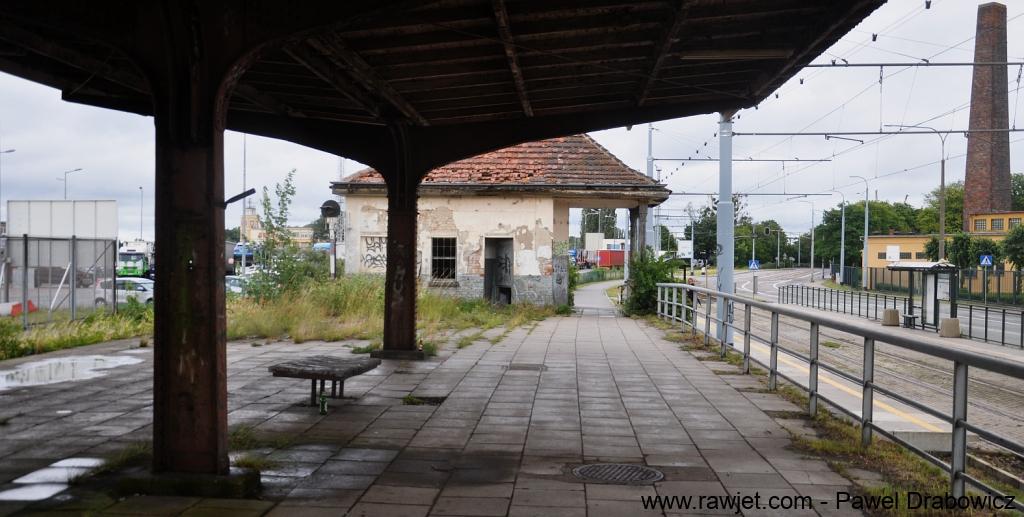 10_poland_gdansk_nowy_port_ul_oliwska_stacja_skm_brosen_10.jpg