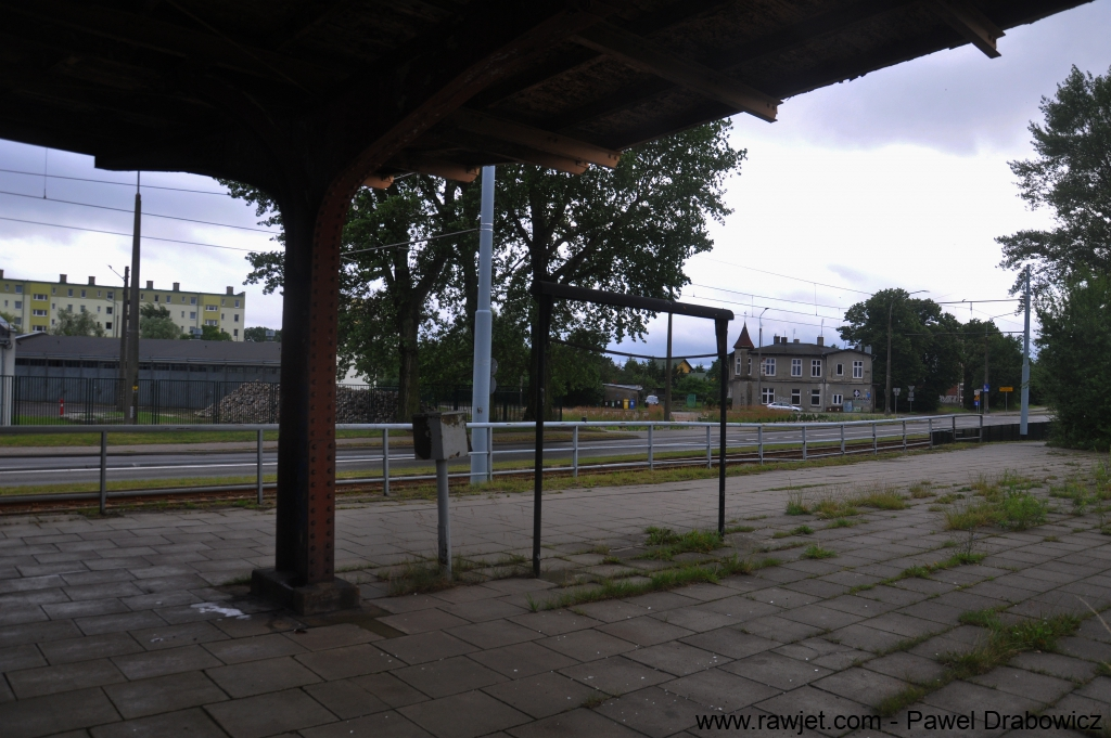 6_poland_gdansk_nowy_port_ul_oliwska_stacja_skm_brosen_06.jpg